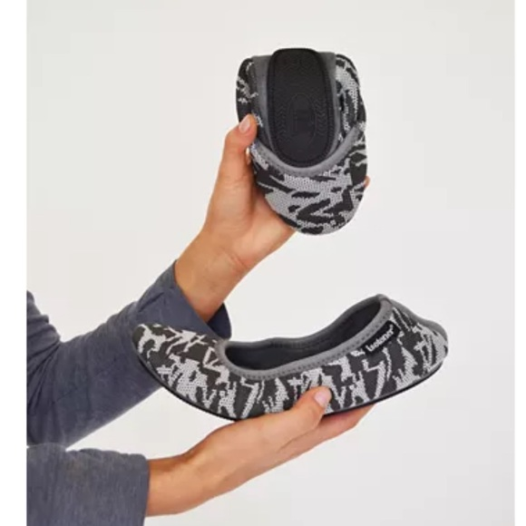 Camouflage Knit Ballerina Slippers w/ Travel Pouch